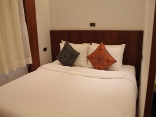 Sutra Beachfront Boutique Hotel Phuket - Deluxe Room