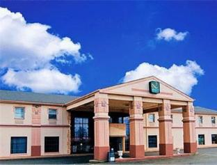 Quality Inn Hotel in ➦ Florence (KY) ➦ accepts PayPal