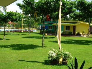 Camp Holiday Resort & Recreation Area Davao - Zahrada