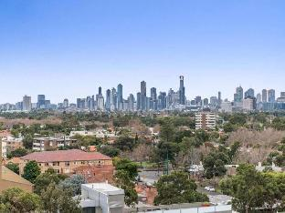 Review Espresso Apartments – St Kilda Penthouse  – Panoramic Bay and City Views Melbourne AU