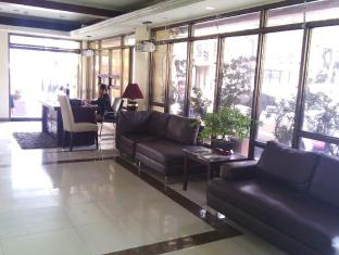 Blue Velvet Hotel & Cafe Davao City - रिसेप्शन