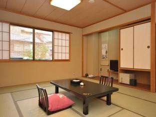 Gion Ryokan Karaku Hotel