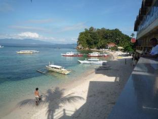 Swengland Beach Resort Puerto Galera - View from Terrace Bar