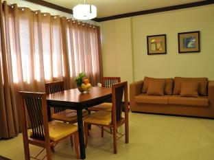 O Hotel Bacolod (Negros Occidental) - Matthew Suite Dining Area