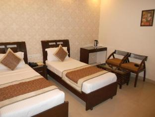 Hotel Vista Inn New Delhi and NCR - Deluxe Twin Room