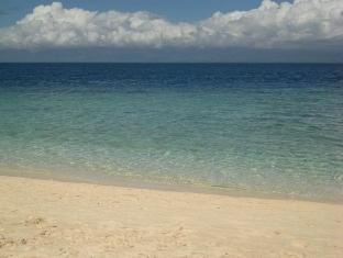 Savedra Beach Bungalows Cebu - Nearby Attraction - White Sand Beach (Basdaku)
