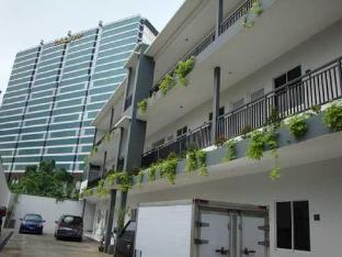 8 Residence Standard Room 42 Reviews