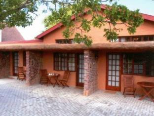 Treetops Guesthouse Port Elizabeth - Exterior