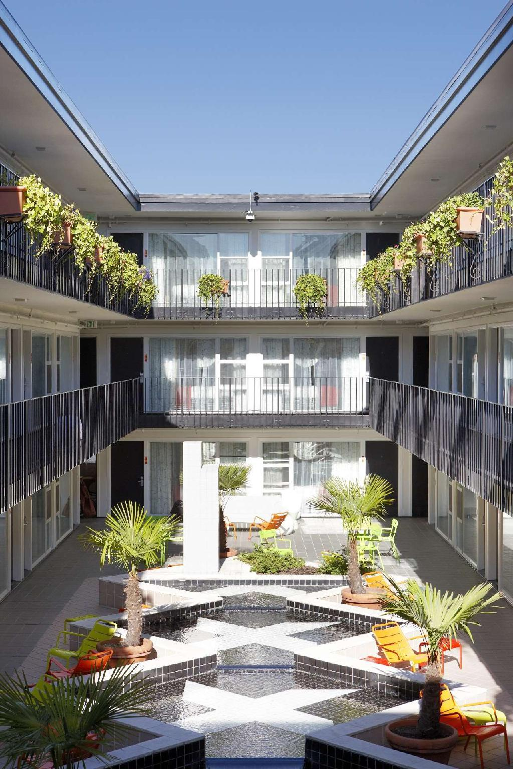 Americania Hotel image