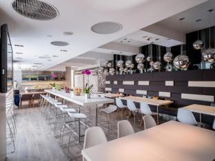 Ovolo West Kowloon Hong Kong - Quầy bar/Pub
