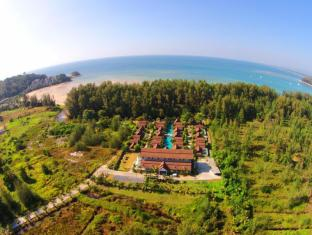 L'esprit de Naiyang Beach Resort Пхукет - Вид