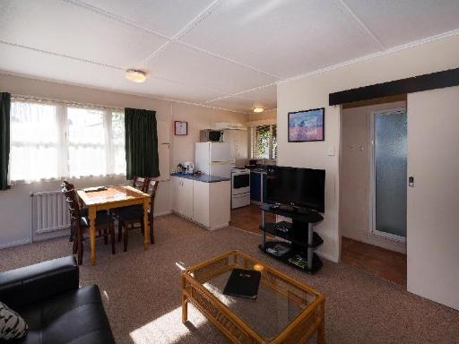 Malfroy Motor Lodge Rotorua – Accommodation and Mineral Pool PayPal Hotel Rotorua