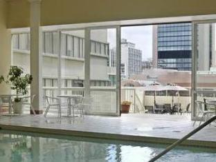 The Sutton Place Hotel Downtown Toronto - Piscina