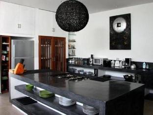 Villa Thila Bali - Kitchen