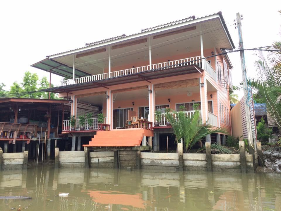,บ้านสวนระเบียงน้ำ