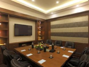 Country Inn & Suites by Carlson - Goa Candolim North Goa - Executive Boardroom