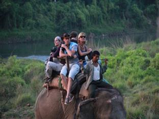 Rhino Lodge & Hotel Chitwan - Elephant Ride