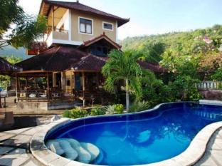 Diver's Cafe Amed Bungalows Bali - Swimming Pool