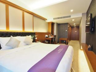 The Bauhinia Hotel - Central Hongkong - Gjesterom