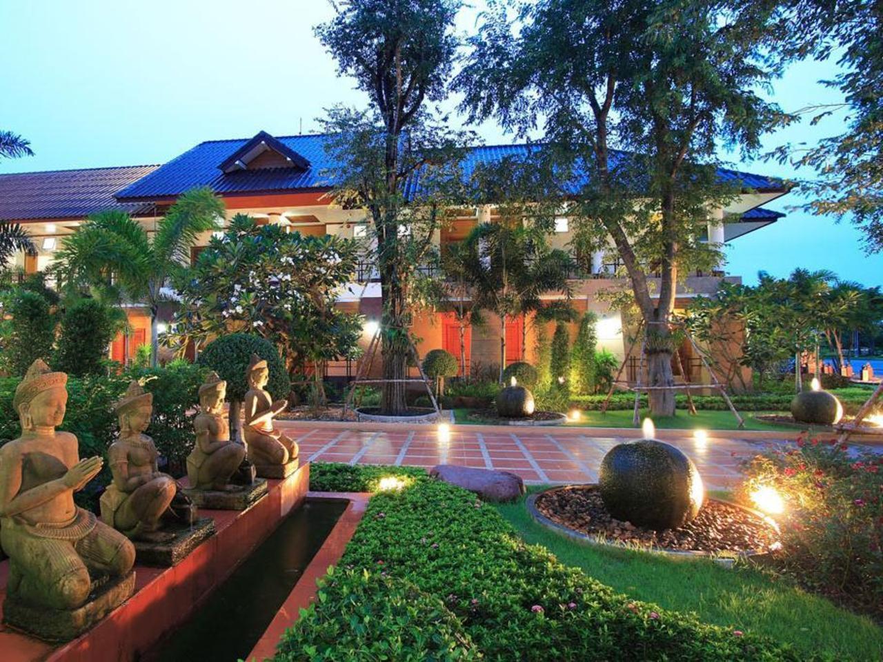 จันทรา รีสอร์ท (Juntra Resort)