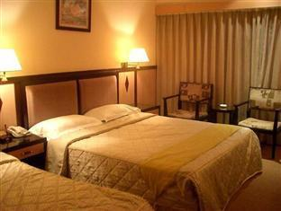 Friends Hotel Yoxing Regency Taipei - Triple Room