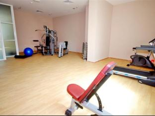 Al Bustan Tower Hotel Suites - Al Bustan Tower Hotel Suites Sharjah - Gym