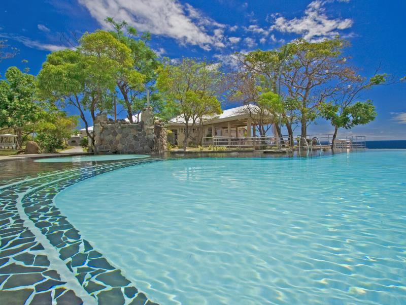 Antulang beach resort dumaguete philippines - Hotels in dumaguete with swimming pool ...