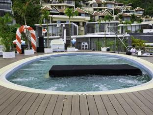 IndoChine Resort & Villas Phuket - Pool Bar