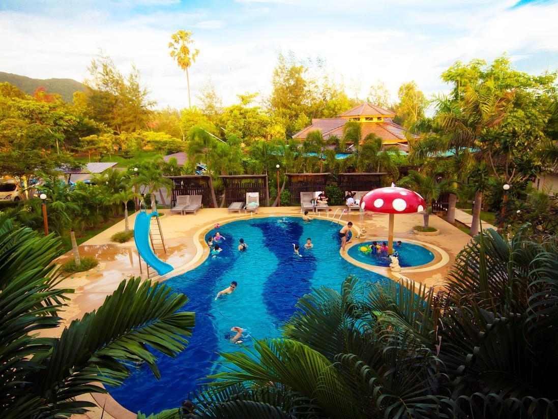 Rattana Pura Beach Resort,รัตนปุระ บีช รีสอร์ท