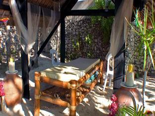 Ravenala Resort Cebu - Outdoor Massage Bed