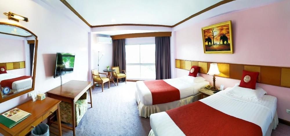 Viangtak Riverside Hotel