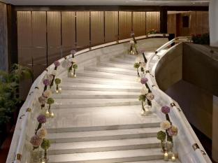 InterContinental Hong Kong Hotel Hong Kong - White Marble Staircase