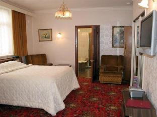 Motel Mayfair on Cavell Hobart - The Richmond Room