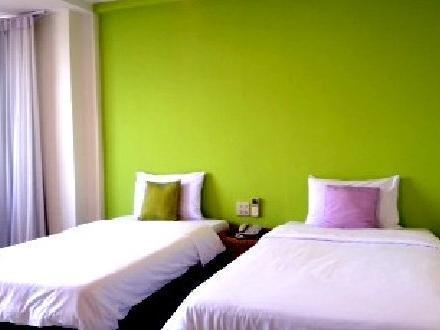 โรงแรมเดอะ มาเจสติค สกลนคร