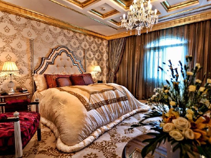 Al Asmakh Royal Suite