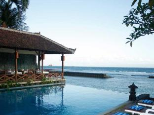 The Natia a Seaside Hotel Bali - Hotellet udefra
