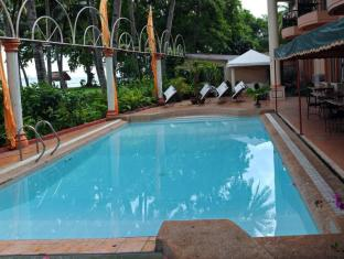 Chateau del Mar Davao City - Swimming Pool