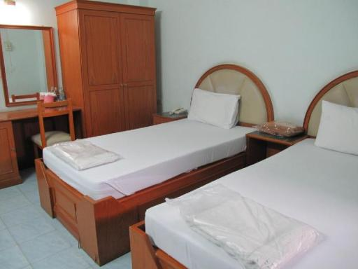 Jitwilai Place hotel accepts paypal in Ayutthaya