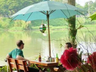 Hollanda Montri Guesthouse Chiang Mai - Restoranas