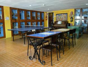 Mayflower Inn Cebu - Pingpong & Foosball and Heritage Museum