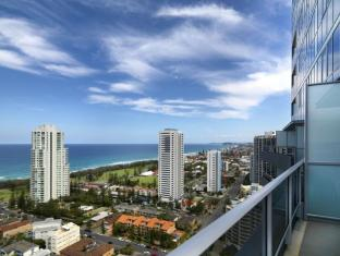 Meriton Serviced Apartments Broadbeach Gold Coast - Balcony/Terrace