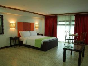 Ecoland Suites Davao - Guest Room