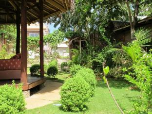 L'Elephant Bleu Cottages Bohol - Jardin