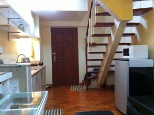 East of Galleria Condominium Manila - Kitchenette - 1BR bi-level
