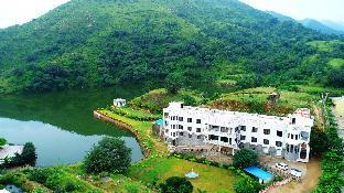Rang Bhawan Inn - A Lake View Hotel