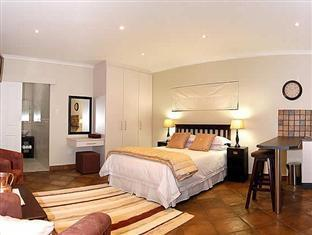 Lalapanzi Guest Lodge Port Elizabeth - Standard Room With Sleeper Couch