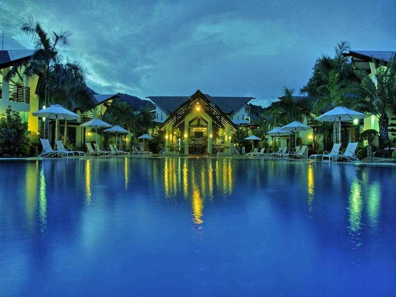 Acuatico Beach Resort & Hotel Batangas
