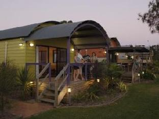 Best PayPal Hotel in ➦ Gerroa: Seven Mile Beach Holiday Park Cabin