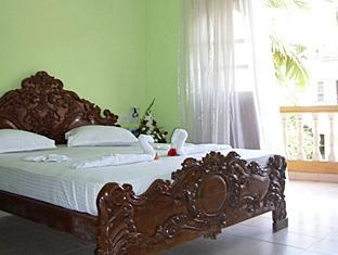 Villa Theresa Beach Resort North Goa - Deluxe Room