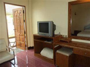 Ponthong Garden Resort guestroom junior suite